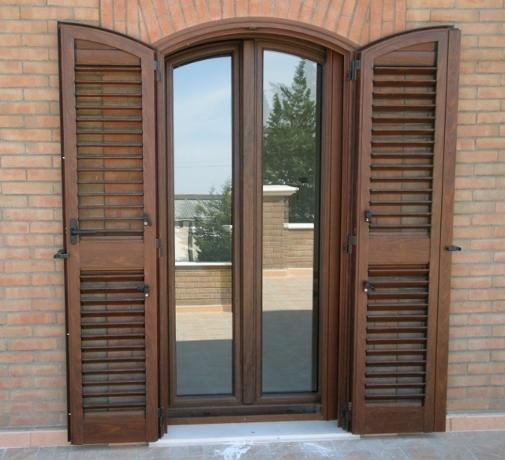 Casa moderna roma italy isolamento acustico finestre - Finestre isolamento acustico ...